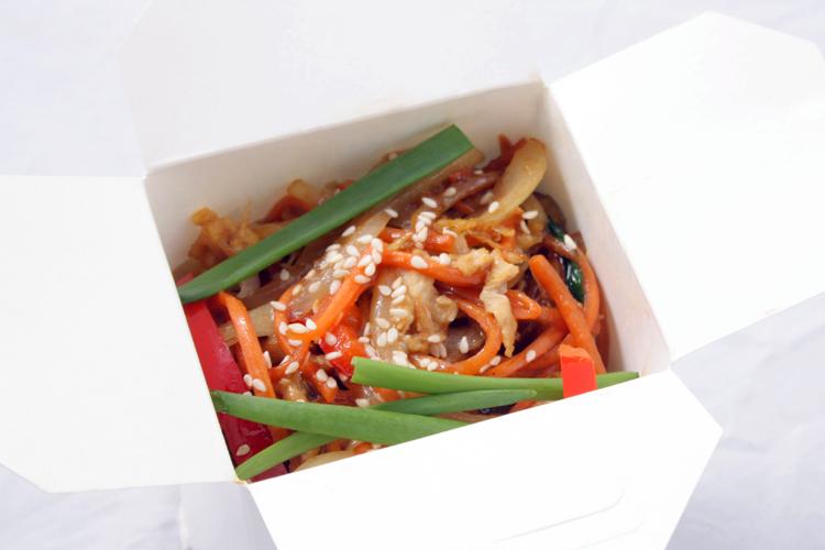 Wok соба, овощи, соус соевый, 290 г